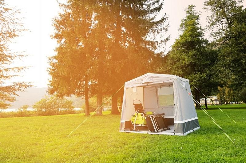 Kamp kuhinja je šator koji služi kao mjesto za spremanje obroka na kampiranju